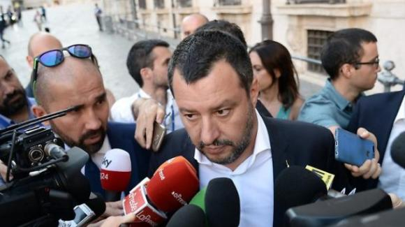 Salvini commenta la situazione di Roma e ricorda l'importanza di dare autonomia alle regioni