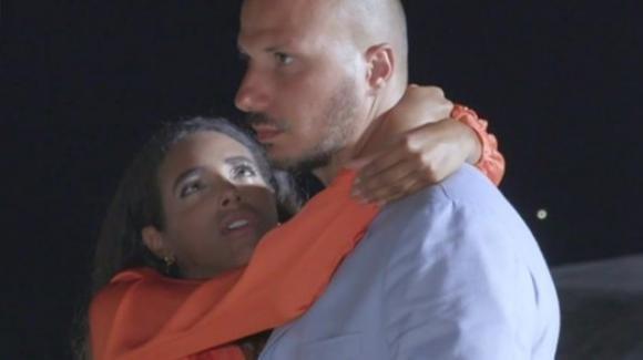 Gabriele Pippo e Silvia Tirado parlando dopo la loro esperienza a Temptation Island Vip