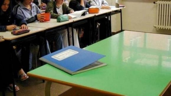 Scuola di Camogli: il dirigente recluta sui social il docente di elettrotecnica