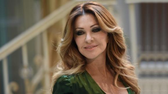 Paola Ferrari svela di volere altri due figli e di aver pensato alla maternità surrogata