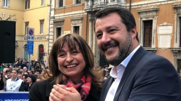 Matteo Salvini parla di vittoria storica e definisce Giuseppe Conte un omino