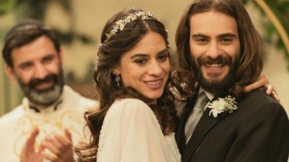 Il Segreto, anticipazioni spagnole: Isaac ed Elsa dicono addio a Puente Viejo e vanno da Alvaro