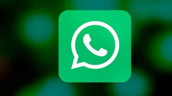 WhatsApp: utenti spiati, in arrivo utilizzo multi dispositivo e app ufficiale per iPad