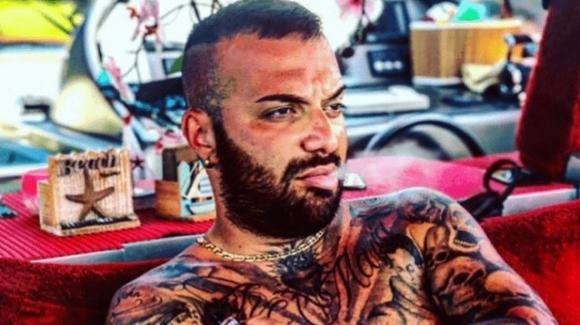 Er Faina potrebbe aver tradito Sharon Macrì con la transgender Giulia Giannini