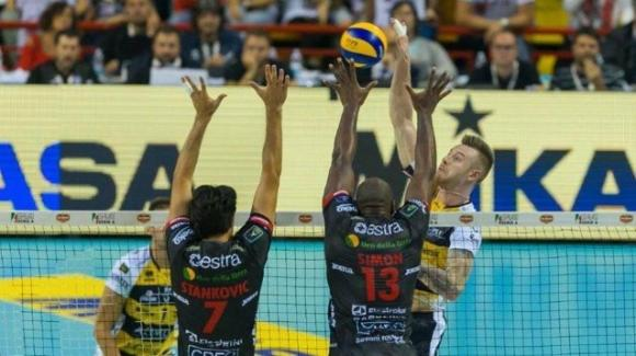 Volley, Supercoppa italiana: Civitanova-Modena 1-3