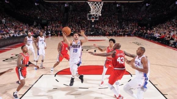 NBA, 2 novembre 2019: i 76ers fanno cinque vittorie battendo i Blazers, i Bucks battono i Raptors