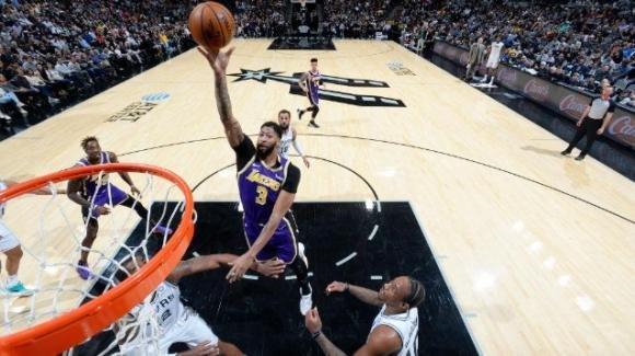 NBA, 3 novembre 2019: Los Angeles Lakers vincitori in casa San Antonio Spurs, Miami distrugge Houston