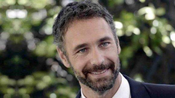 Raoul Bova, problemi di salute improvvisi: interrotta la tournée teatrale