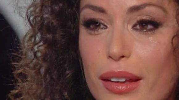 Storie Italiane, Raffaella Fico in lacrime: insulti razzisti alla figlia Pia