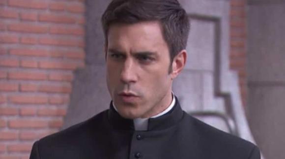 Una Vita, anticipazioni 10 novembre: Padre Telmo costretto a partire, è accusato di stupro su Lucia
