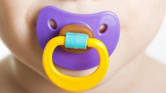 Bambini, un sensore nel ciuccio per monitorare la salute