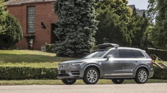 Falle nel software di guida autonoma di Uber causano un incidente mortale
