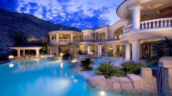 Strutture di lusso: oltre 2000€ a settimana per recensire il proprio soggiorno