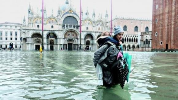 Acqua alta a Venezia: danneggiata la Basilica di San Marco