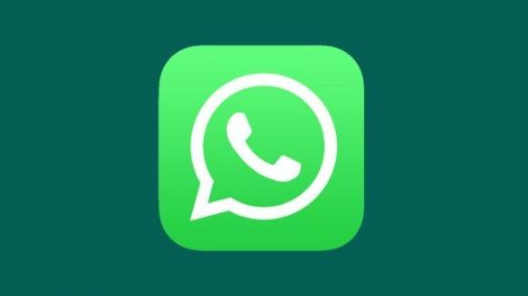 WhatsApp: dark mode in arrivo su iOS, grandi novità dalle release beta