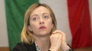 Giorgia Meloni risponde dopo le parole di Graziano Del Rio sul tricolore