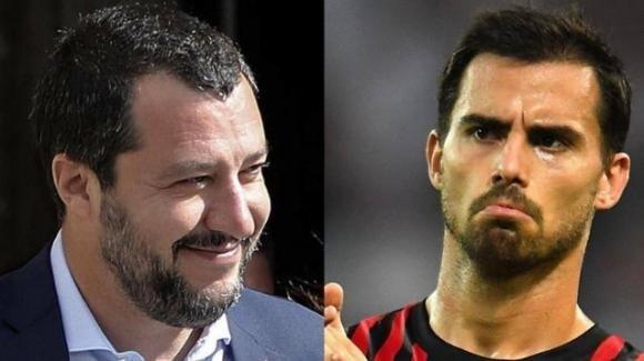 """Il calciatore del Milan Suso risponde alle critiche di Matteo Salvini: """"Che Babbo Natale ti porti la voglia di amministrare meglio"""""""