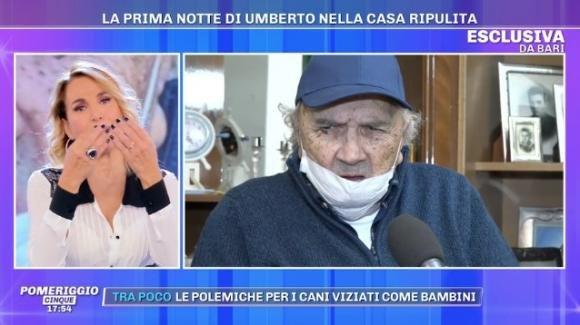 """Pomeriggio Cinque, Barbara D'Urso delusa dal comportamento di Umberto: """"Te ne sei fregato dei nostri aiuti"""""""