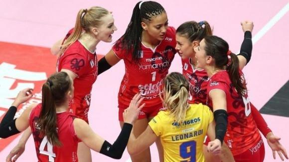 Volley femminile, Serie A1: Busto Arsizio vince contro Cuneo 3-0