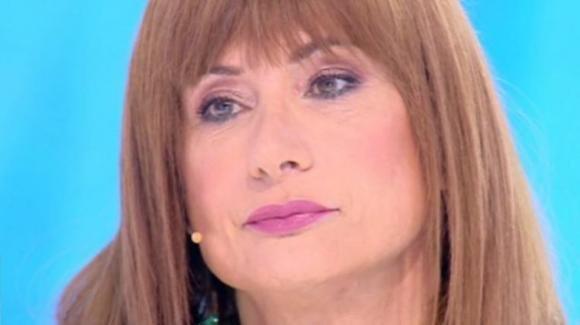 """""""Domenica Live"""", Luxuria ospite dalla D'Urso le risponde a tono: """"Mi aspettavo una reazione da parte tua"""""""