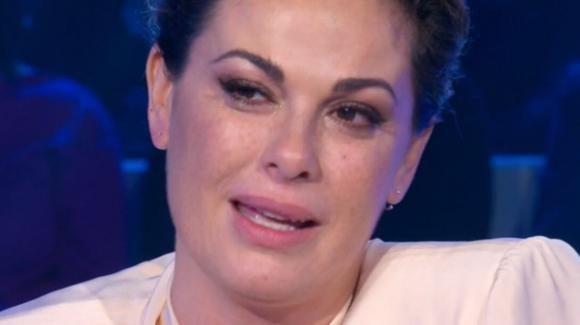 """""""Domenica In"""", Vanessa Incontrada si racconta: la commozione per la madre"""