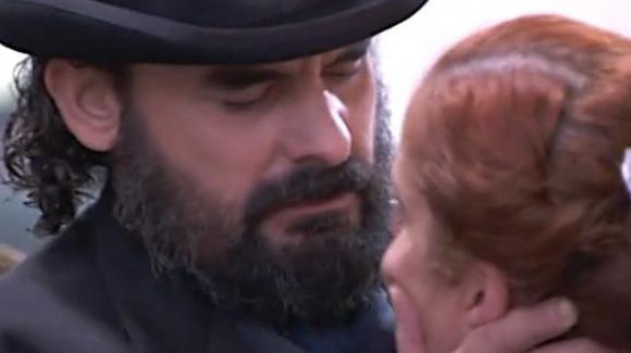 Una Vita, anticipazioni 26 novembre: l'incubo di Carmen, i sospetti su Alicia, la gara delle caramelle