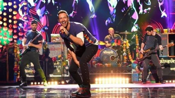 I Coldplay sospendono il tour mondiale per ridurre l'impatto ambientale dei concerti