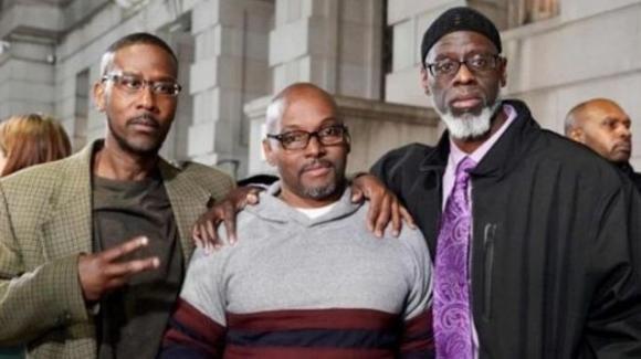 USA: riconosciuta ingiusta la condanna all'ergastolo a tre adolescenti, scarcerati a 50 anni
