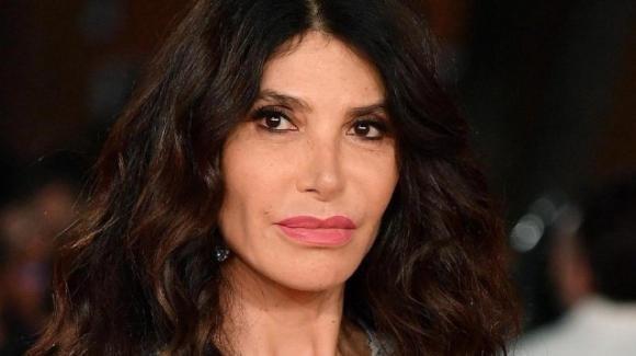 """Carmen di Pietro contro una radioascoltatrice affetta da endometriosi: """"Non sei degna di essere donna"""""""