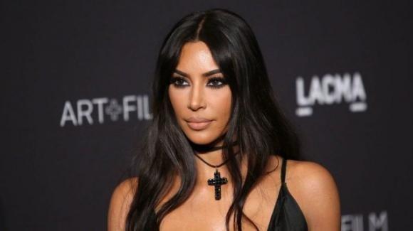 Kim Kardashian ha promesso di indossare abiti meno sexy dal 2020