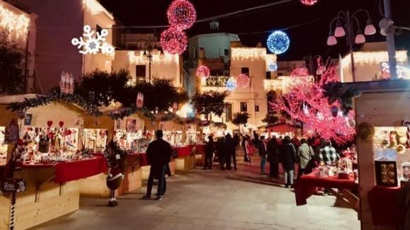 Polignano, Bari: luminarie gratuite in onore di Modugno e Pascali