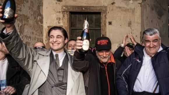 """Il commissario Ricciardi, sono terminate le riprese. Lino Guanciale: """"A presto, amici miei"""""""