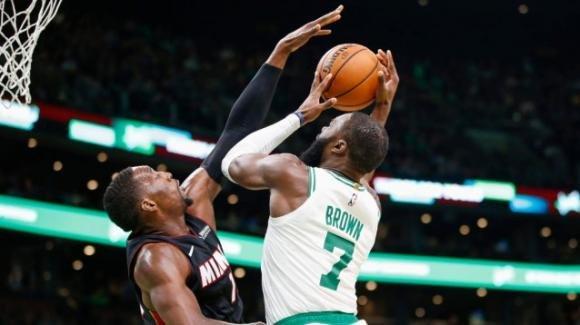 NBA, 4 dicembre 2019: i Celtics stoppano gli Heat, vittorie per le due prime, Lakers e Bucks