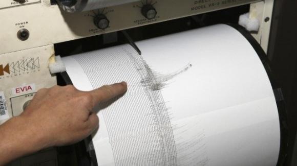 Terremoto, scosse continue a L'Aquila: si teme il peggio