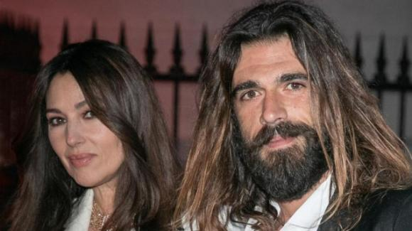 Monica Bellucci e Nicholas Lefebvre avvistati insieme a Parigi