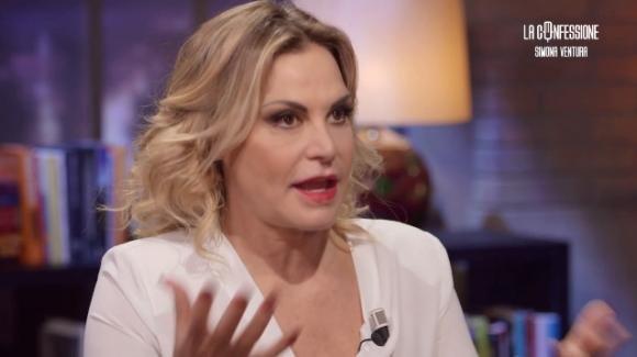 """La Confessione, Simona Ventura su Fabrizio Corona: """"È stata una persona diabolica e poco intelligente"""""""
