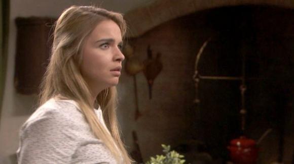 Il Segreto, anticipazioni puntata 24 dicembre: Antolina grida in faccia il suo disprezzo ad Isaac, prima di sparargli