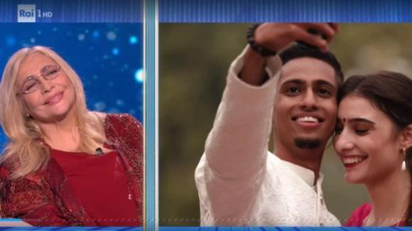La Porta dei Sogni: Sofia incontra per la prima volta il fidanzato Kartik, un indiano conosciuto in chat 3 anni fa