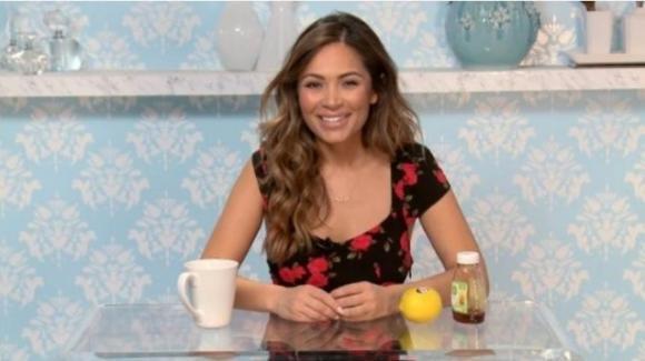 Beve per un anno acqua, miele e limone: la blogger Crystal Davis svela gli effetti miracolosi di questa bevanda
