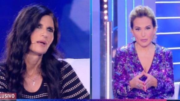 Pamela Prati nel caos: nella sua locandina appare il logo di Barbara D'Urso senza l'autorizzazione di Mediaset