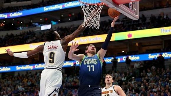 NBA, 8 gennaio 220: i Nuggets conquistano per un soffio il parquet dei Mavericks, Miami vince ad Indianapolis