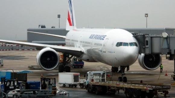 Francia: identificato il ragazzino trovato morto nel carrello di un Boeing
