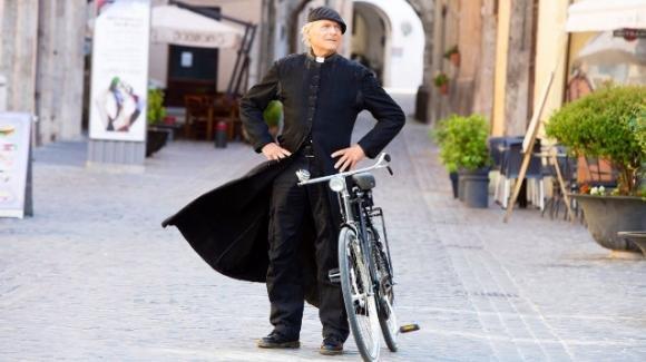 Don Matteo 12, anticipazioni seconda puntata del 16 gennaio: un uomo misterioso torna a Spoleto creando grossi problemi