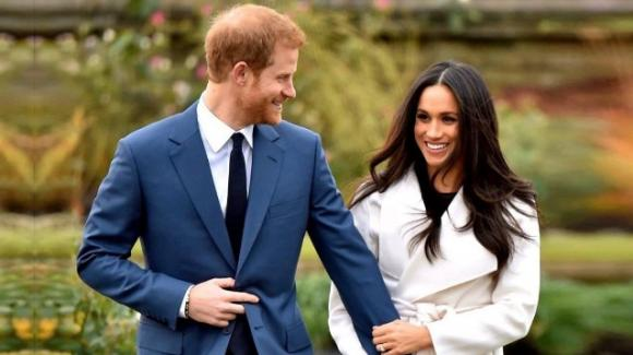 Meghan Markle avrebbe manipolato il principe Harry, allontanandolo dalla famiglia reale