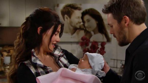 Beautiful, anticipazioni 16 gennaio: Phoebe arriva a casa di Steffy, problemi per Thorne e Katie