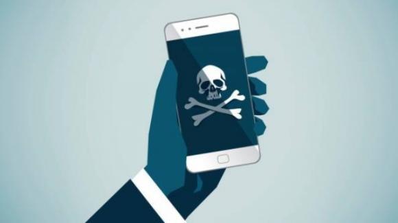 Attenzione: scoperte pericolose app truffaldine e indiscrete