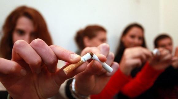 A Milano, il sindaco Sala vieterà di fumare all'aperto (dal 2030)