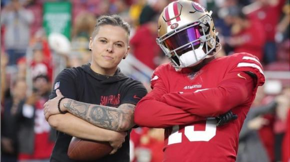 Katie Sowers è la seconda donna ad allenare in NFL (la prima al Super Bowl): si è dichiarata lesbica nel 2017