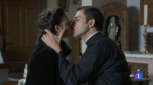 Una Vita, puntata del 26 gennaio 2020: Lucia e Telmo si baciano con passione