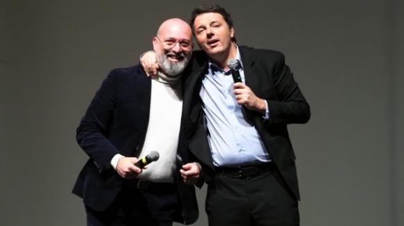 Matteo Renzi fa i complimenti a Stefano Bonaccini per la vittoria in Emilia Romagna